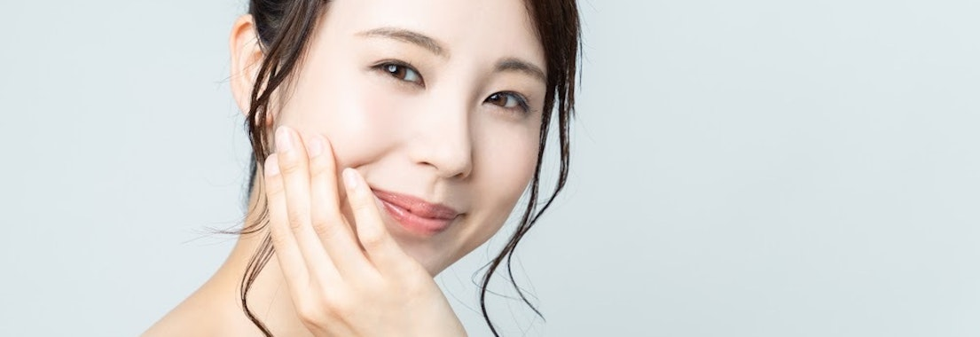 Woman with dermaplaning treatment Getting a Chemical Peel? See Why You Should Add on Dermaplaning