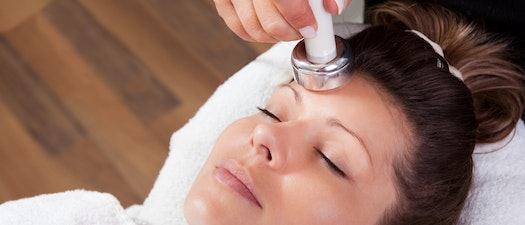 What You Need to Know About Light Therapy and Your Skin Condition