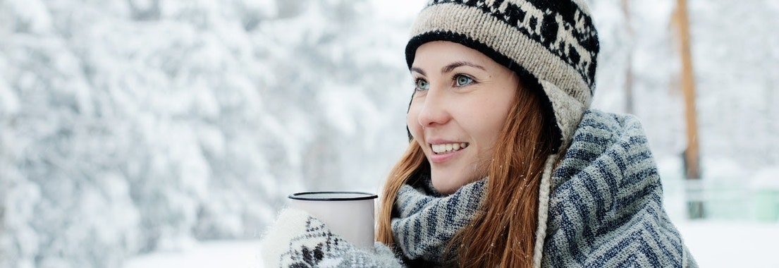 Woman with dry skin in Winter 7 Ways to Handle Winter Skin Dryness & Dermatitis