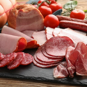 Plate of lunch meats What Processed Meats Can Do to Your Skin