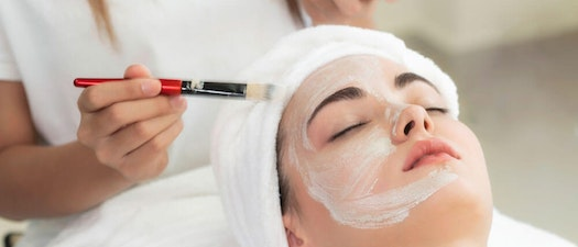 Acne: Restoring Confidence with Cosmetic Treatments