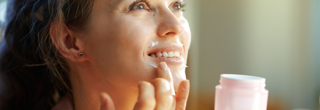 How to Manage Acne Prone Dry Skin this Winter
