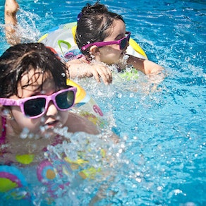 Pacific Dermatology Specialists sunscreen application 5 Tips for Protecting Your Little Ones From the Summer Sun