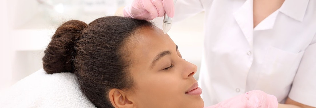 Woman having infini-radiofrequency treatment Why Spring Is the Perfect Time for Infini-Radiofrequency
