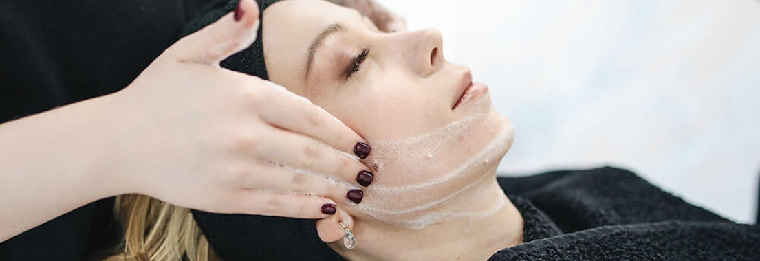 Pacific Dermatology Specialists acne reduction treatment Which Cosmetic Dermatology Services Reduce Acne?