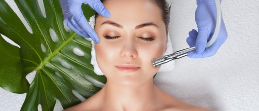 Why Summer Is the Perfect Time for a Microdermabrasion Treatment